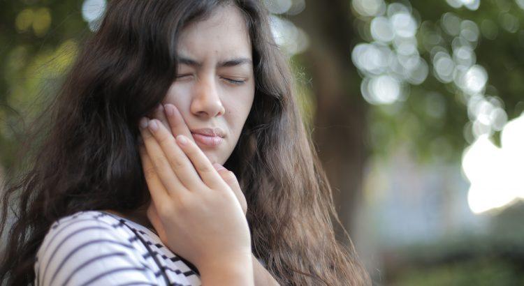 ¿Cómo aliviar el dolor de muela picada?